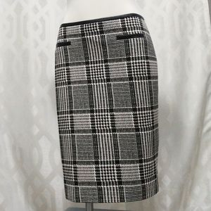 Talbot's black and white pencil skirt size 4